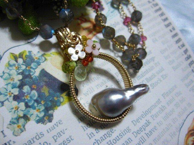 【SALE】バロックパール・小鳥のネックレスの画像1枚目