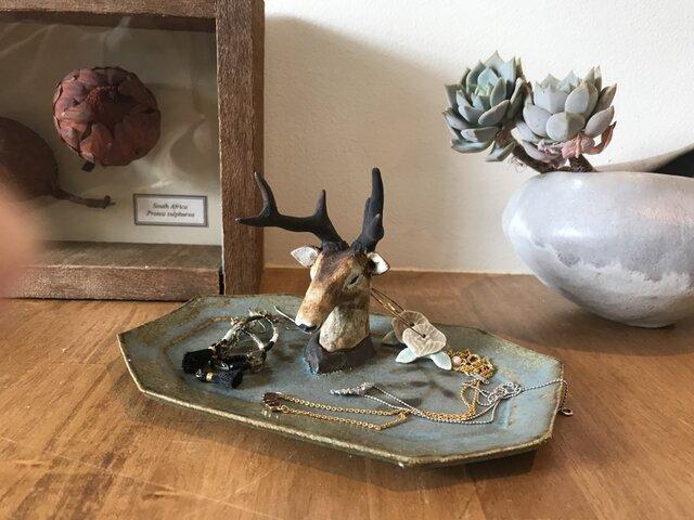 鹿のアクセサリー置きの画像1枚目
