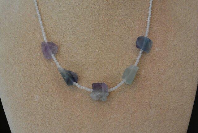 フローライトのネックレスの画像1枚目