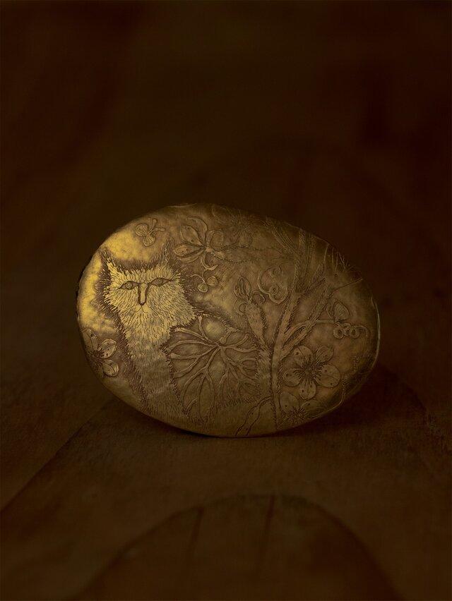ブローチ「畑の猫」の画像1枚目