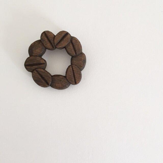 珈琲豆ブローチ/ツバキの画像1枚目