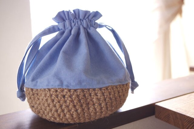 Organic Cotton オックスフォード生地と手編みカゴの巾着の画像1枚目