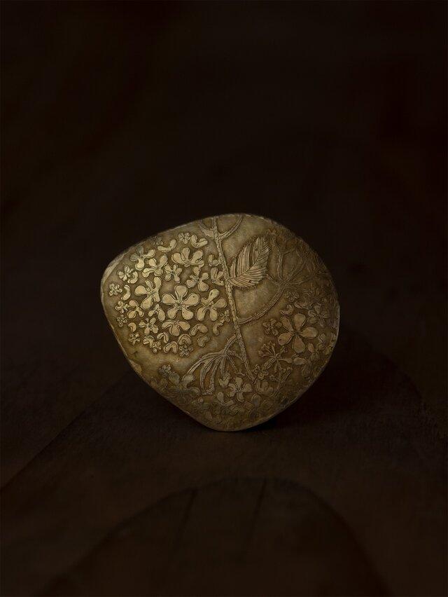 ブローチ「大手毬」の画像1枚目