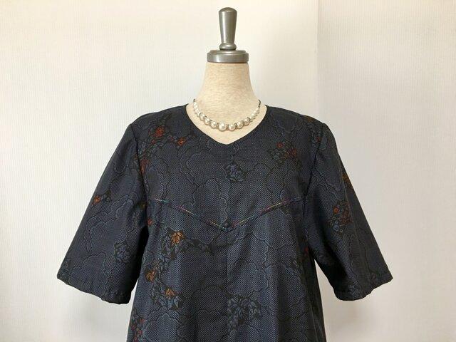 大島紬 シンプルなAラインのワンピース 着物リメイクの画像1枚目