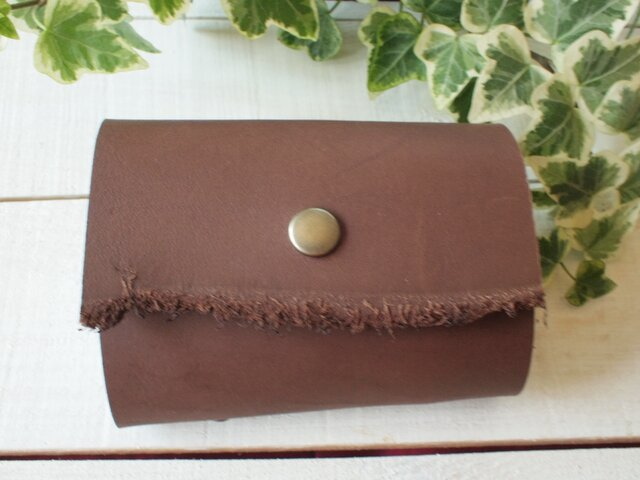 本革 分厚いレザーチョコレート色 カードケース の画像1枚目