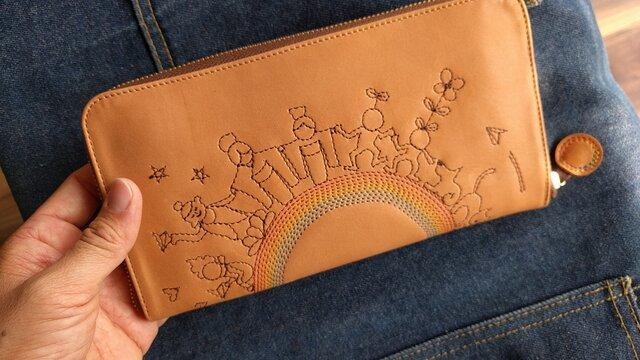 刺繍革財布『THE WORLD』牛ヌメ革/ラウンドファスナー型の画像1枚目