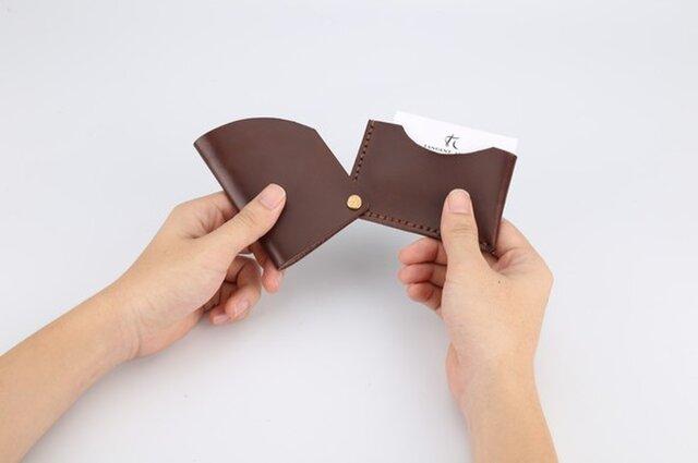 【切線派】回轉本革名刺入れ カードケース 名刺ケース 総手縫い ブラウンの画像1枚目