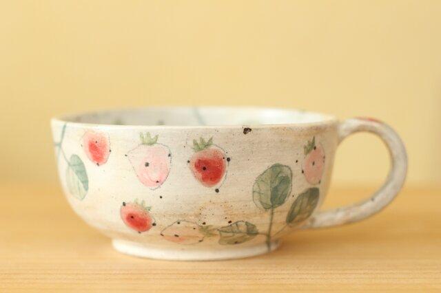 粉引き 赤とピンクのイチゴのカップ。の画像1枚目