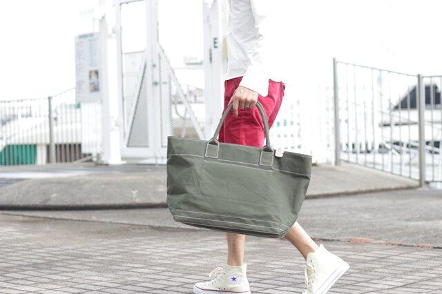 レザーバッグ職人が作った帆布の大きなトートバッグ カーキ【送料無料】ats-01phの画像1枚目