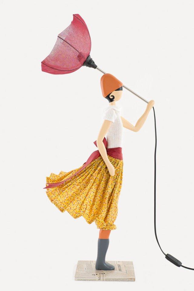 風のリトルガールおしゃれランプChara テーブルランプ 受注製作 送料無料の画像1枚目