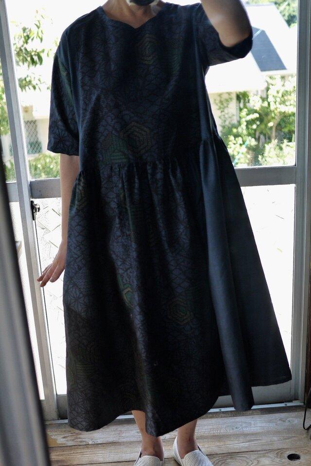 結城紬と大島紬反物からワンピースの画像1枚目