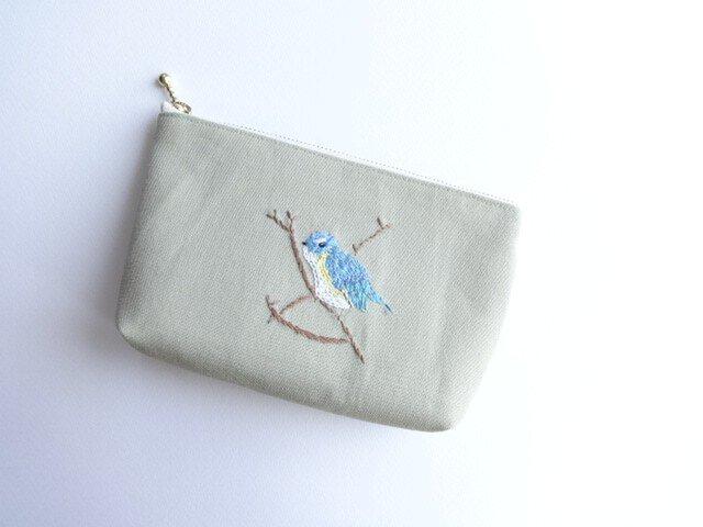 野鳥 手刺繍ポーチ ルリビタキの画像1枚目