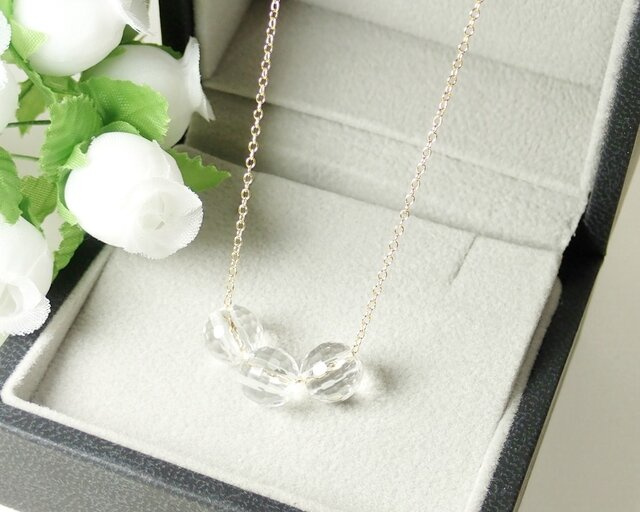 *N15-1*宝石質水晶(クリスタル・128面カット)AAA☆3粒ネックレスの画像1枚目