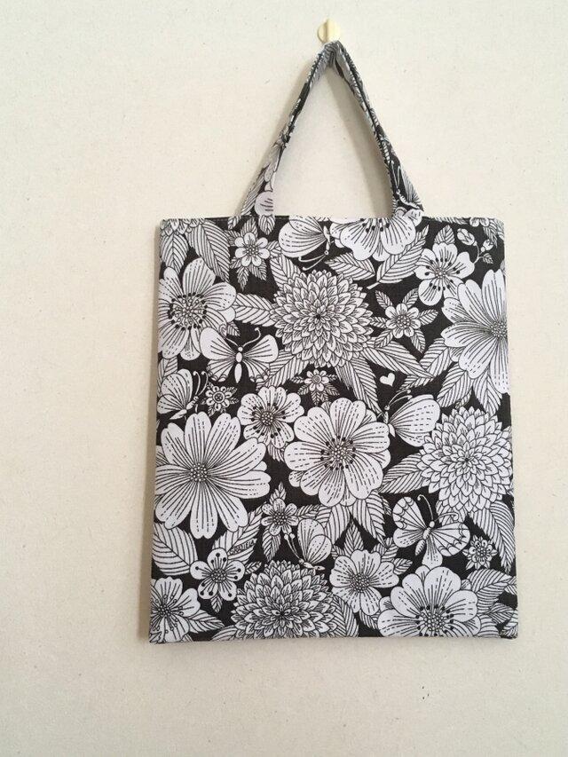 ヴィンテージ生地のトートバッグ ちょうちょとお花の画像1枚目