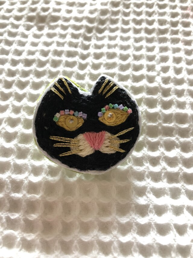 Nさまオーダー☆オシャレな黒猫ブローチの画像1枚目