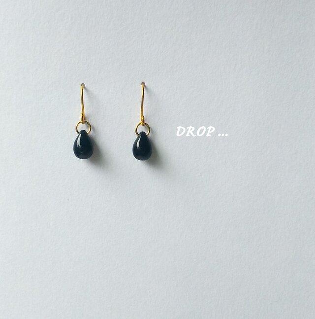 d40-18【ブラック】しずくドロップのシンプルピアス(イヤリング他)の画像1枚目