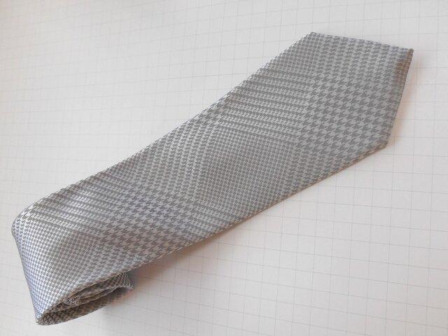 【セール中】ネクタイ グレンチェック(シルバー)フォーマル  シルク(絹)100%の画像1枚目