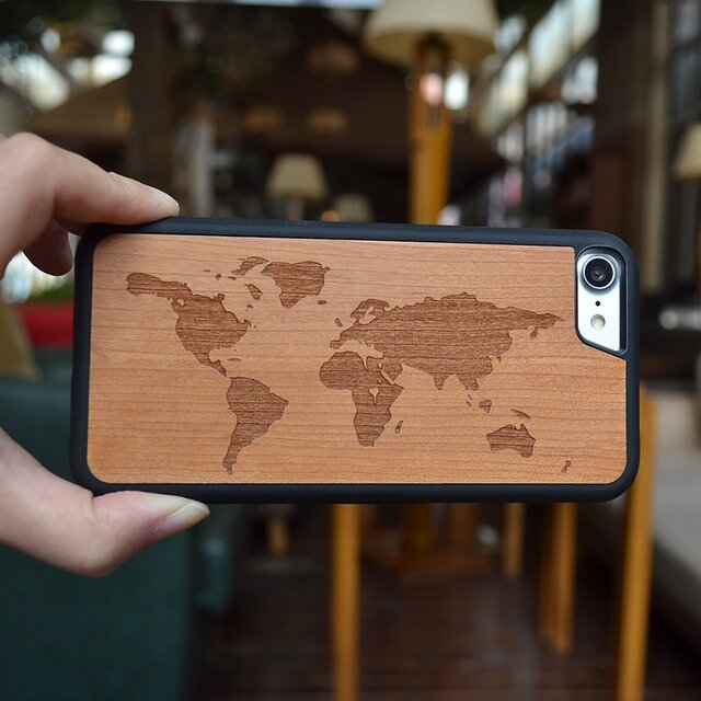iPhoneケース 木製ケース 天然木 木目調 ウッドケース 無垢材 高級 大人の画像1枚目