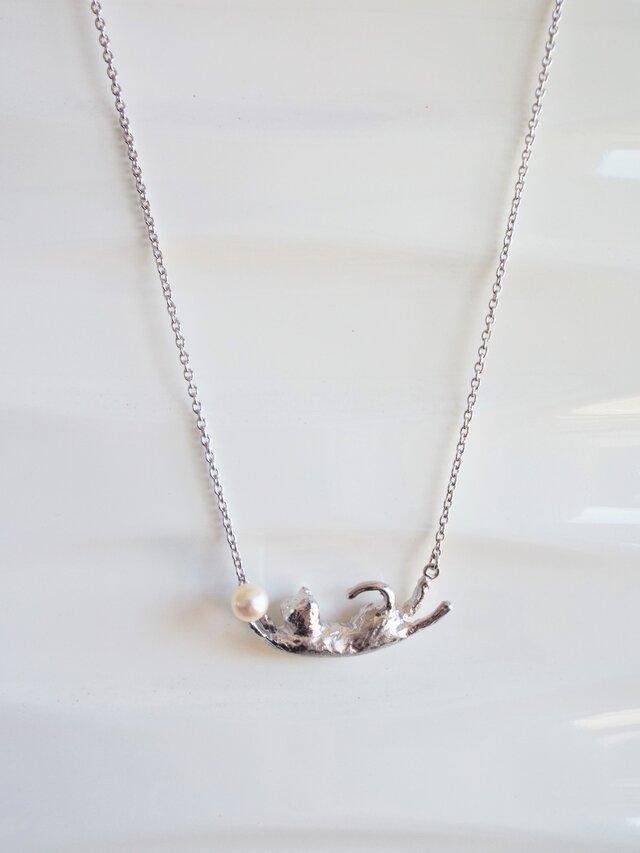 SALE! 猫 アコヤ貝本真珠 シルバーペンダントの画像1枚目
