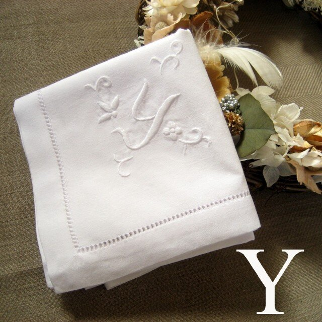 Aging手刺繍イニシャルハンカチ ホワイトYの画像1枚目