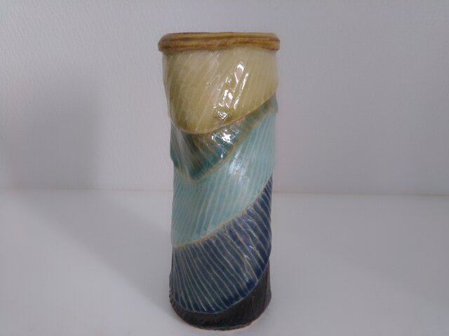 タタラ成形の花器の画像1枚目