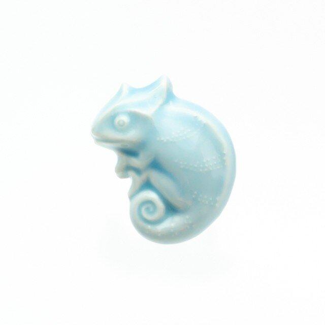 陶器ブローチ カメレオン(ブルー)の画像1枚目