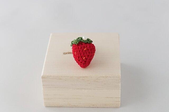 イチゴのピンブローチの画像1枚目