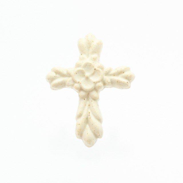 陶器ブローチ 十字架-Cross-(生成り)の画像1枚目