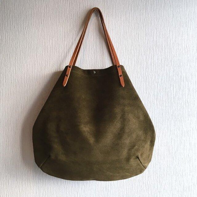 牛床ベロアと極厚オイルヌメの丸型トートバッグ【オリーブ】の画像1枚目