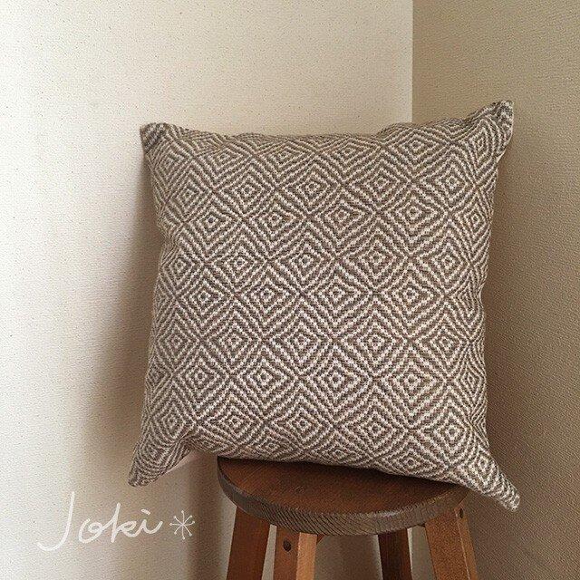 cushion cover[手織りクッションカバー]菱柄 アースグレーの画像1枚目