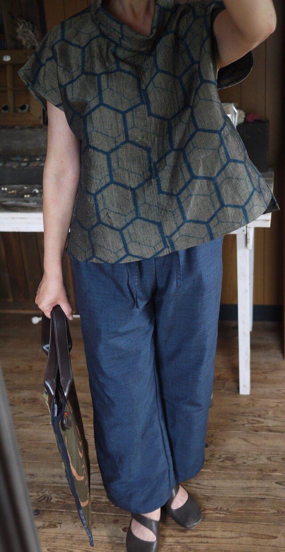 正絹結城紬の反物からシンプルパンツの画像1枚目