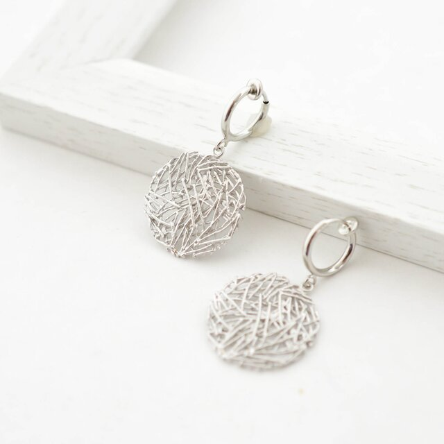 Mesh plate Earrings(silver)の画像1枚目