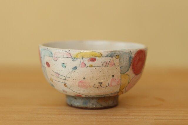 K様オーダー分 粉引きカラフルドットとねこのお茶碗の画像1枚目
