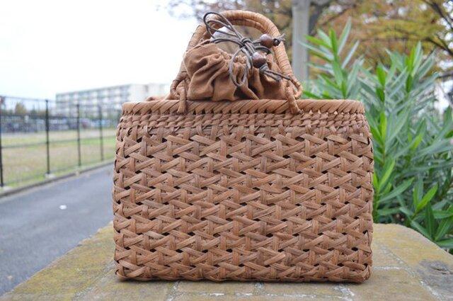 山葡萄(やまぶどう)籠バッグ | 麻の葉編み | 巾着と中布付き | (約)幅35cmx高さ24cmx奥行10cmの画像1枚目