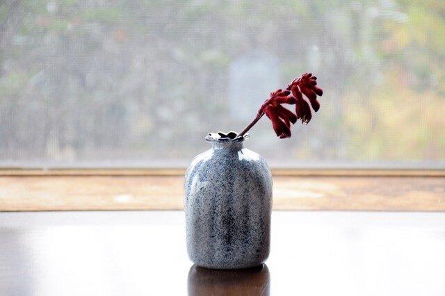 四角い花瓶に雪~黒色~の画像1枚目