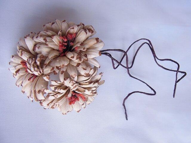 アンティーク風小菊のコサージュ(ベージュ×茶)の画像1枚目