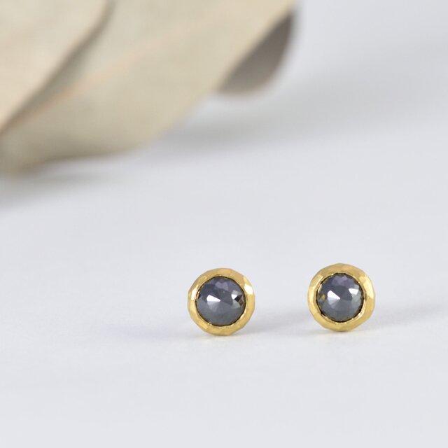 pure gold x Black diamond1.10ct/1.08ct ~純金とブラックダイヤモンドのピアスの画像1枚目