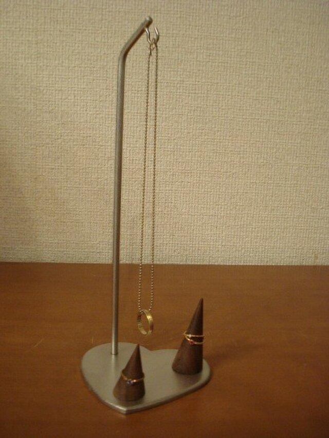 誕生日プレゼントに 台座ハート型リングスタンド付き AKデザインの画像1枚目