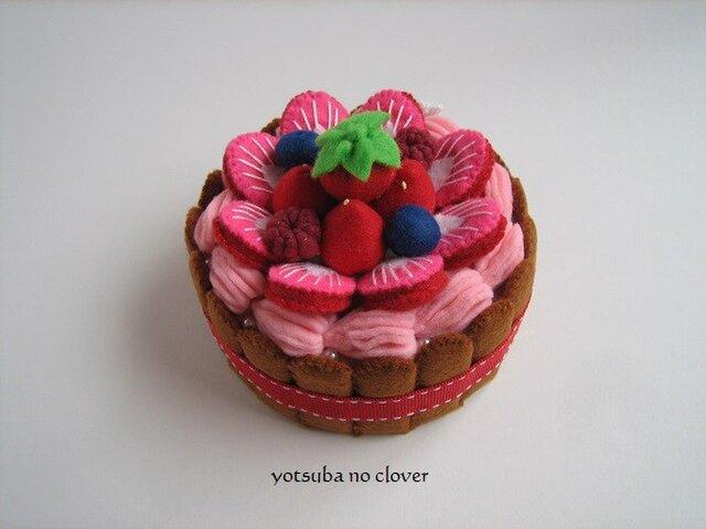 SALE《直径9.5cm》いちごクリームのケーキ③の画像1枚目