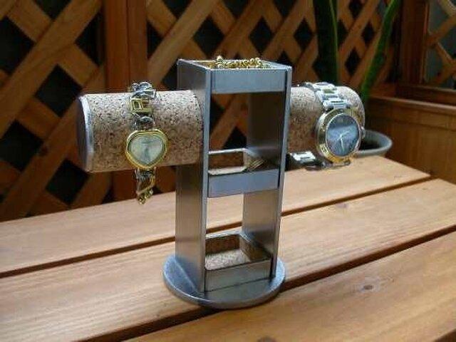 アクセサリースタンド 3段トレイ2本掛け腕時計スタンドの画像1枚目
