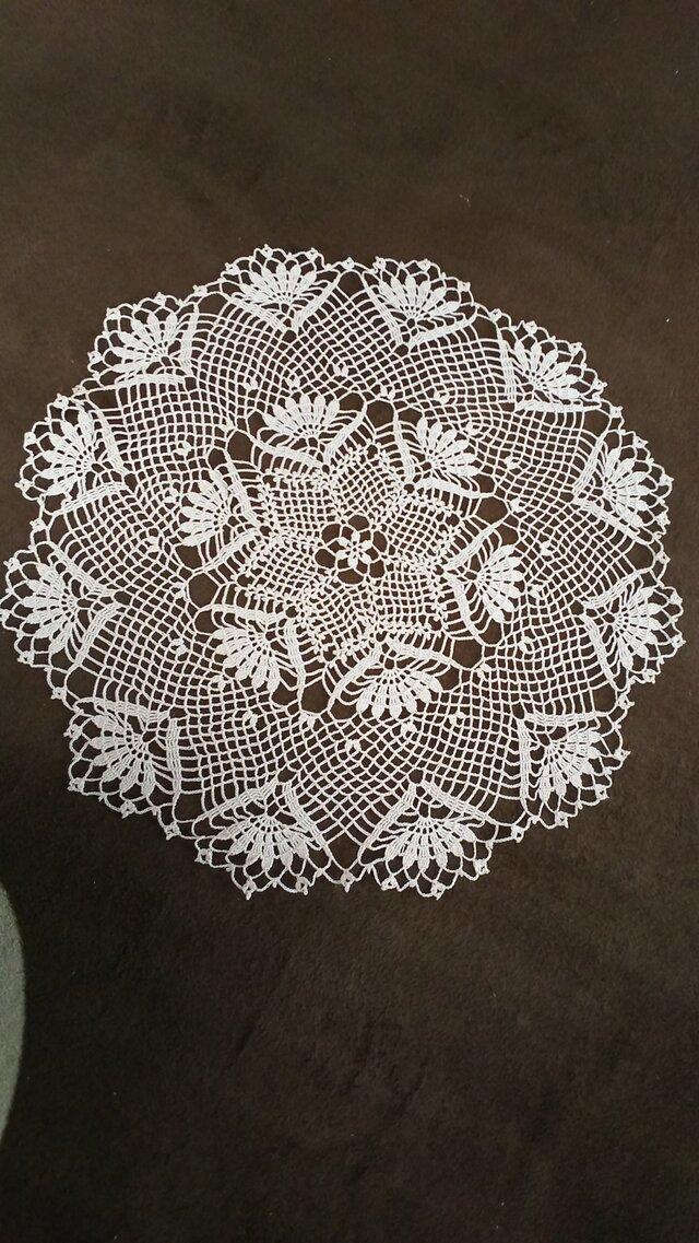 手編みレースドイリー直径約40㎝の画像1枚目