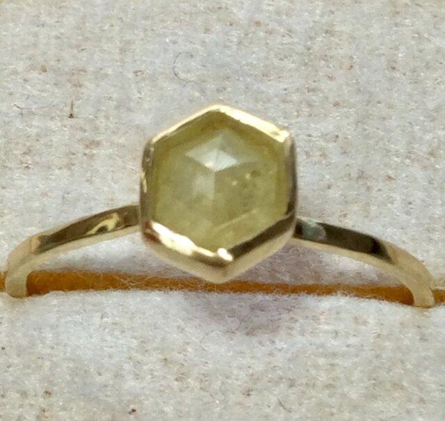 ナチュラルイエローヘキサゴンダイアモンドリングの画像1枚目