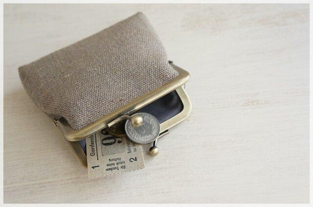 ■手紡ぎ、手織りシルク・リネンのがま口コインケース / e■の画像1枚目