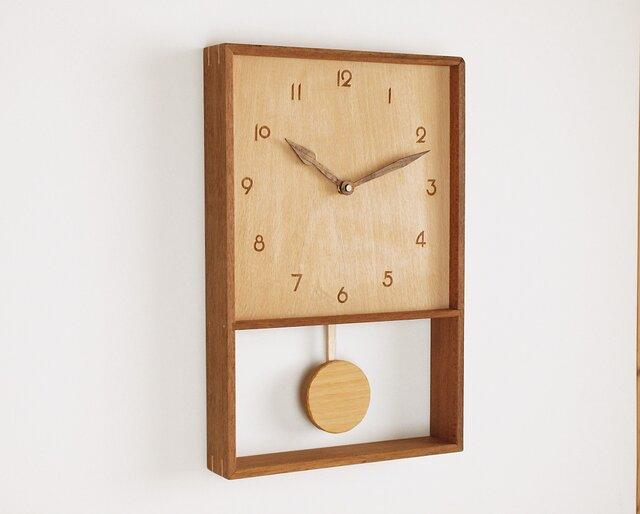 木製 箱型 振り子時計 ラワン材1の画像1枚目