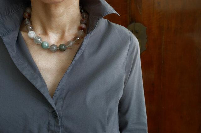 【再販】秋の配色!マルチルチルクォーツの大玉カット2WAYネックレスの画像1枚目