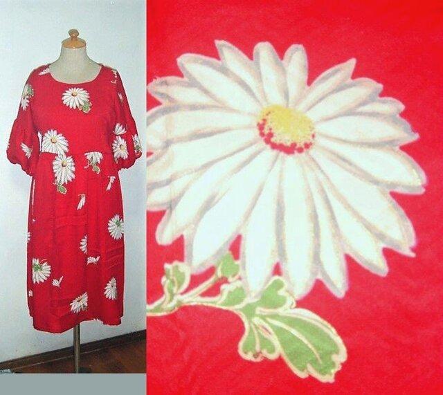 Sold Out着物リメイク♪白い菊の花が可愛いい着物ワンピース♪ハンドメイド♪秋♪正絹・花柄・バルーン袖の画像1枚目