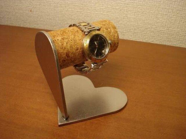 プレゼントに ハート腕時計スタンドの画像1枚目