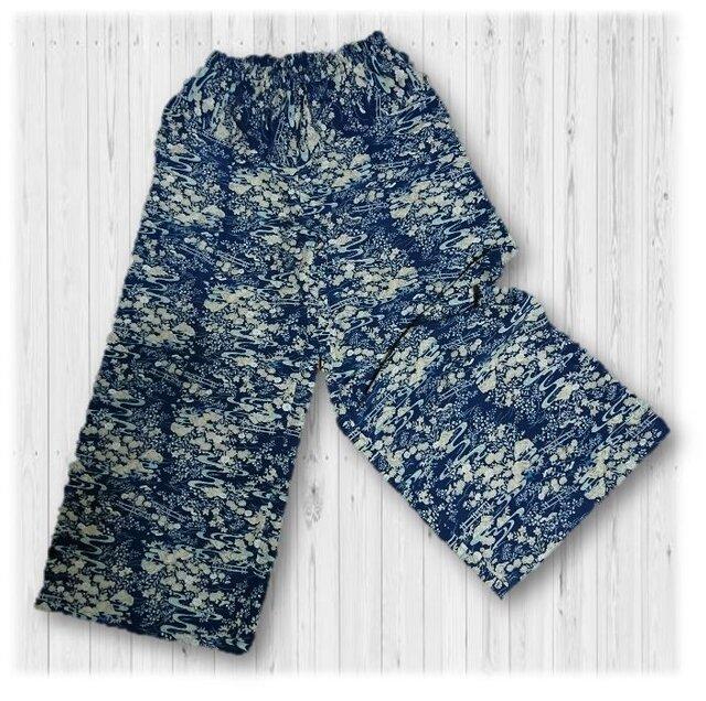 47 履くと可愛い正絹小紋柄ワイドパンツの画像1枚目