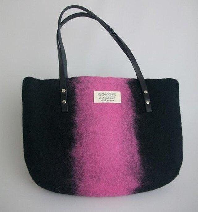 羊毛フェルト バッグ ピンク&ブラックの画像1枚目