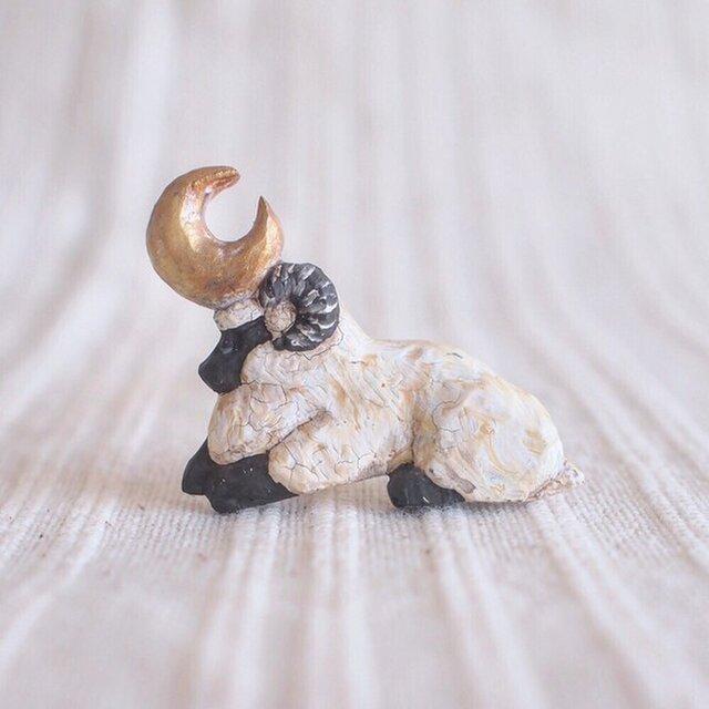 受中制作 ブローチ 微睡みの羊(ボックス付き)の画像1枚目